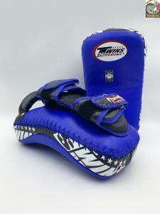 Twins-KPL-12 Deluxe Kicking Pads-Black Blue