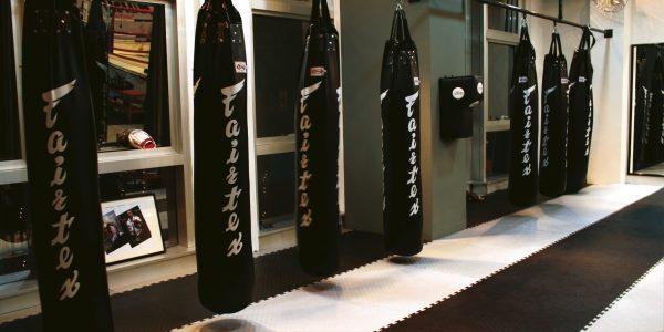 Fairtex-HB6-6FT Banana Bag-Black