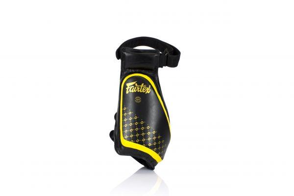 Fairtex Compact Thigh Pads Black Yellow
